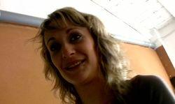 Une femme mure française tombe dans les griffes de Larry